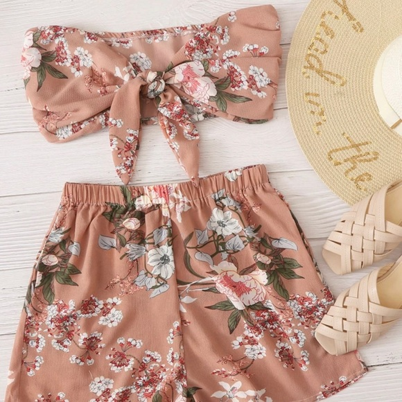 Matching set - Floral Front Knot Top & Shorts